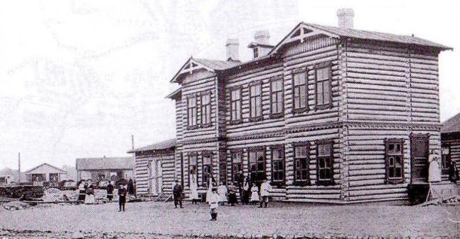 Бывший Охтинский вокзал в Санкт-Петербурге